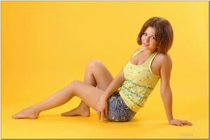 http://img288.imagevenue.com/loc128/th_279083220_tduid300163_sandrinya_model_denimmini_teenmodeling_tv_084_122_128lo.jpg