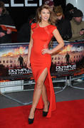 http://img288.imagevenue.com/loc177/th_376357728_AmyWillerton_olympus_has_fallen_uk_prem_035_122_177lo.jpg