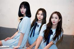 GFRIEND-Eunha, Umji and SinB From Upcoming 'Summer Rain' MV