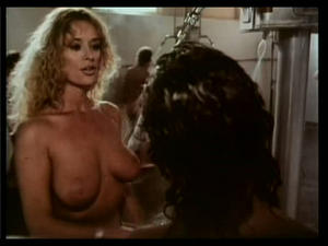 Photo : marcia cross nue prend une douche -