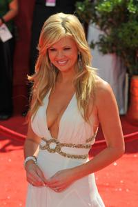 NANCY O'DELL - 2008 Emmys - Red Carpet - [HQ]