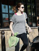http://img288.imagevenue.com/loc554/th_927406836_Mandy_Moore_out_Shopping_in_LA10_122_554lo.jpg
